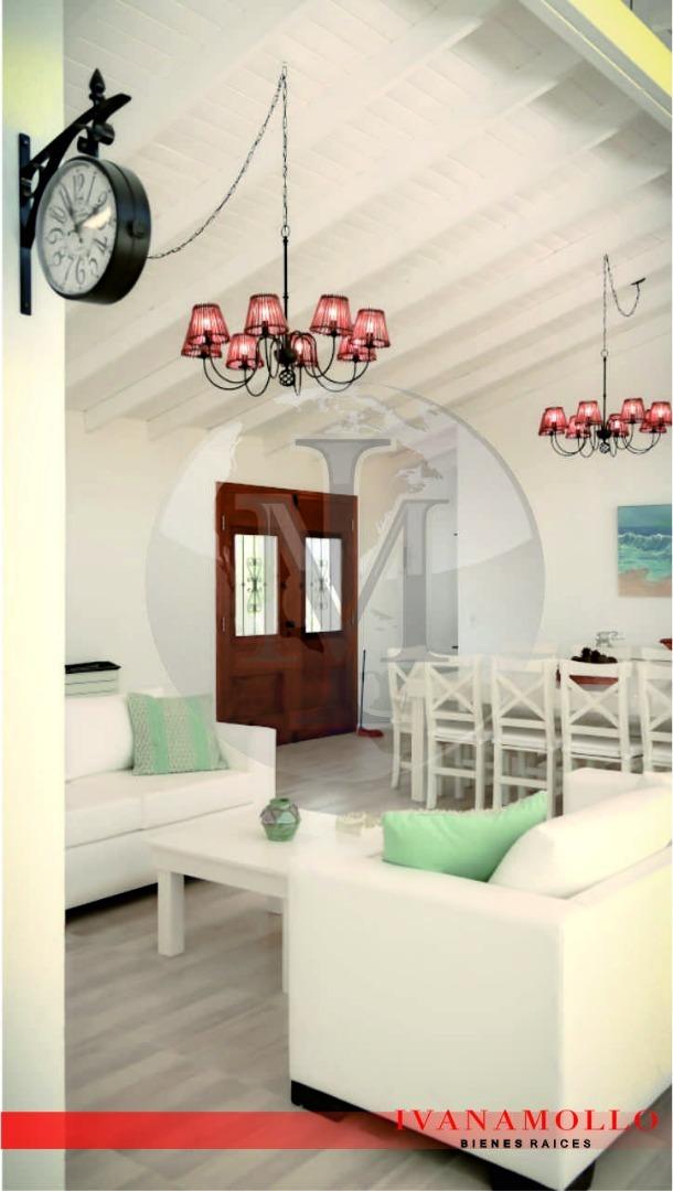 casa en costa esmeralda 5 ambientes