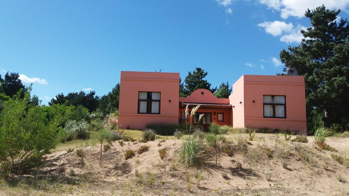 casa en costa esmeralda pinamar
