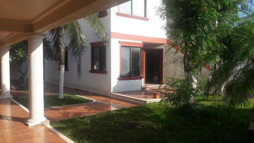 casa en costa oro amplio terreno de 720 m2