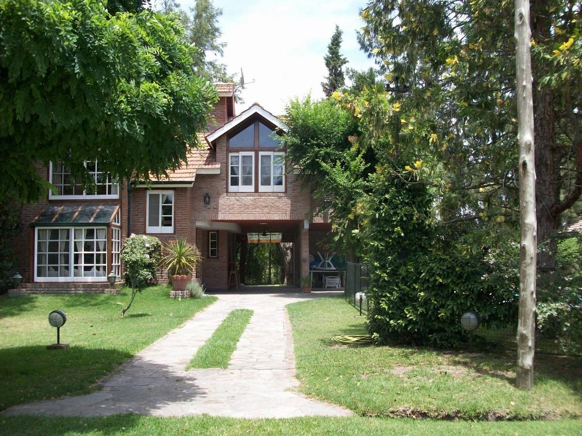 casa en country el pato con 3 dormitorios y pileta!