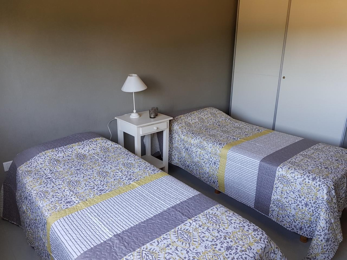 casa en deportivo costa esmeralda  disponible