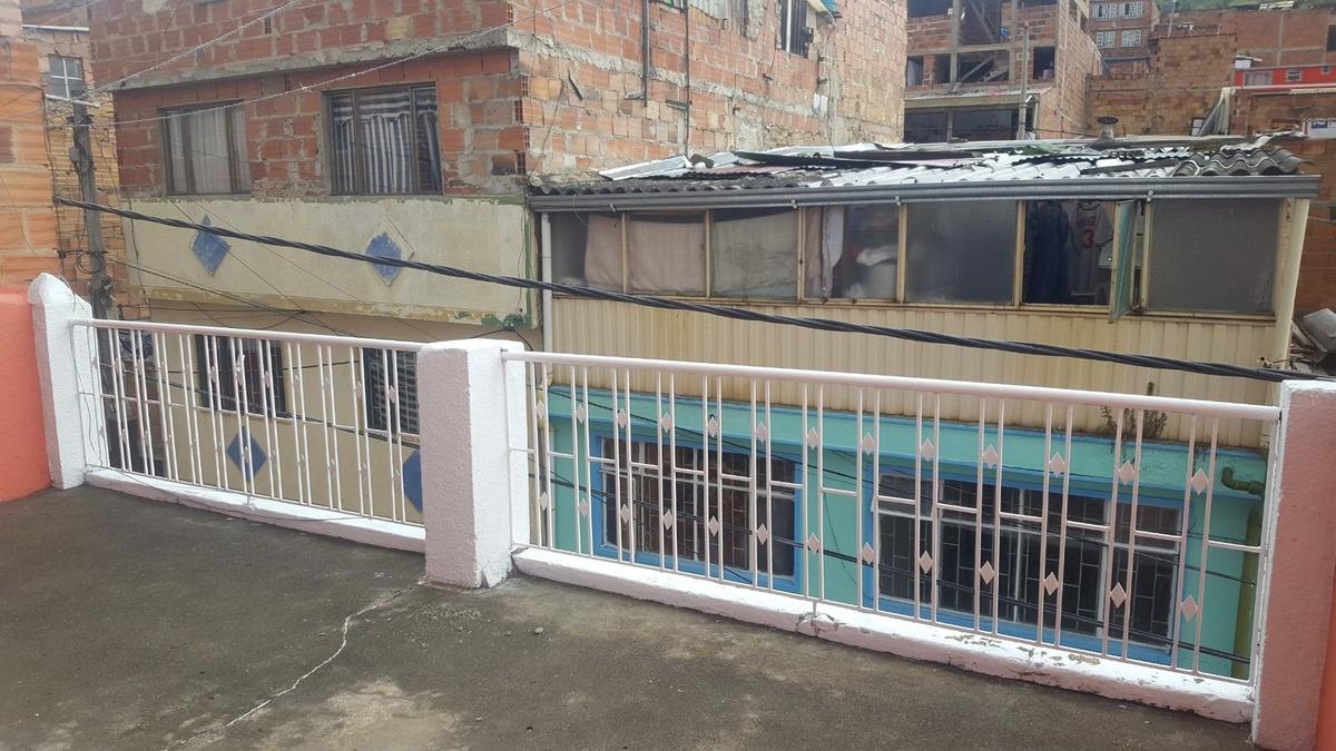 casa en diana turbay de tres plantas y tres aptos
