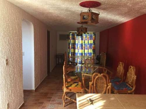 casa en dos niveles en magnifico estado de conservación en el fraccionamiento joyas del marqués ii