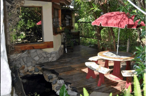 casa en el bosque, estilo cabaña con pileta climatizada