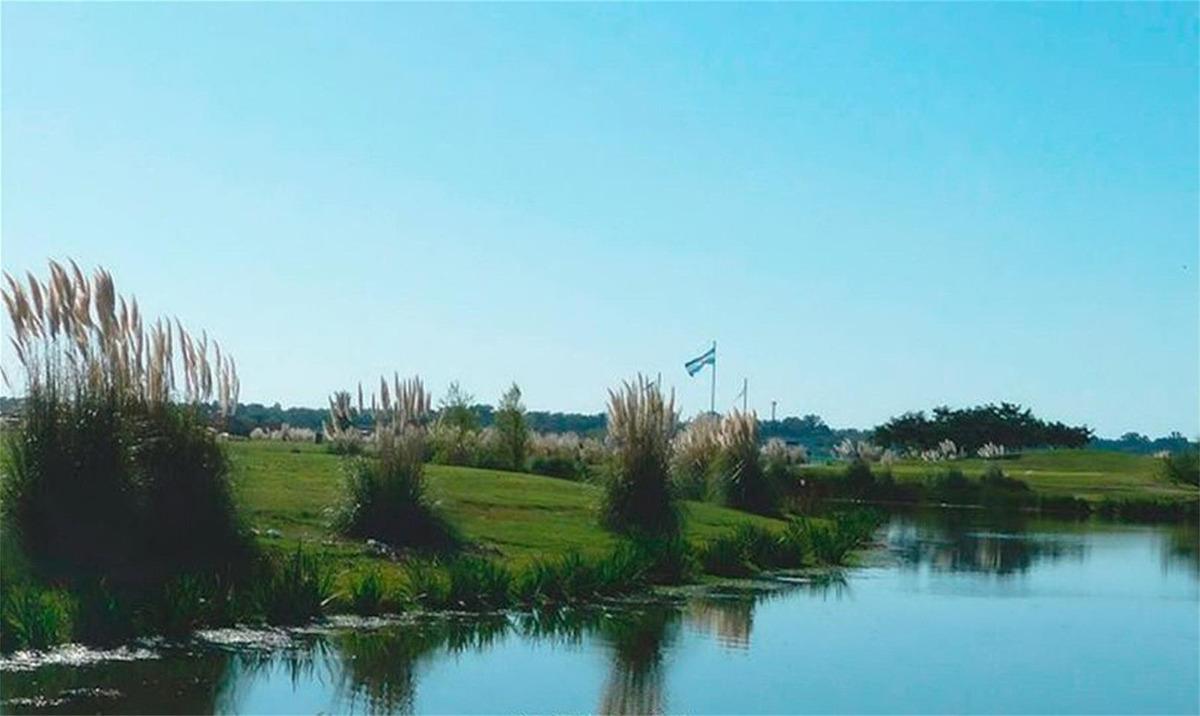 casa en el canton golf oportunidad! escucha oferta razonable