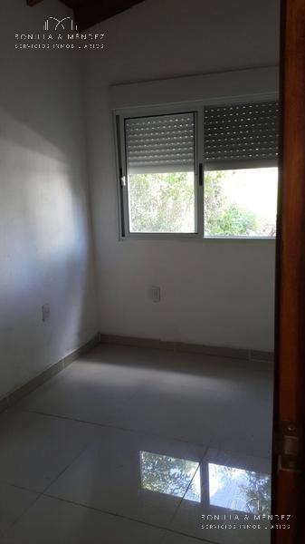 casa en el centro de piriápolis, barrio tranquilo.