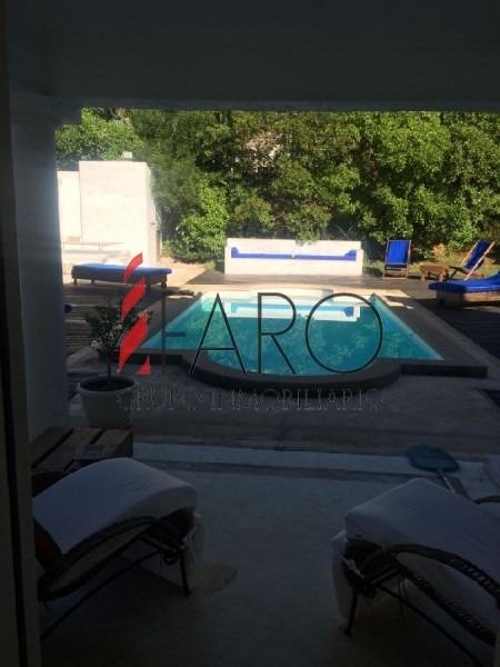 casa en el chorro 4 suites, a metros de la playa. vista al mar. piscina.-ref:33852