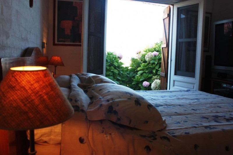 casa en el chorro 4 suites, a metros de la playa. vista al mar. piscina.-ref:843