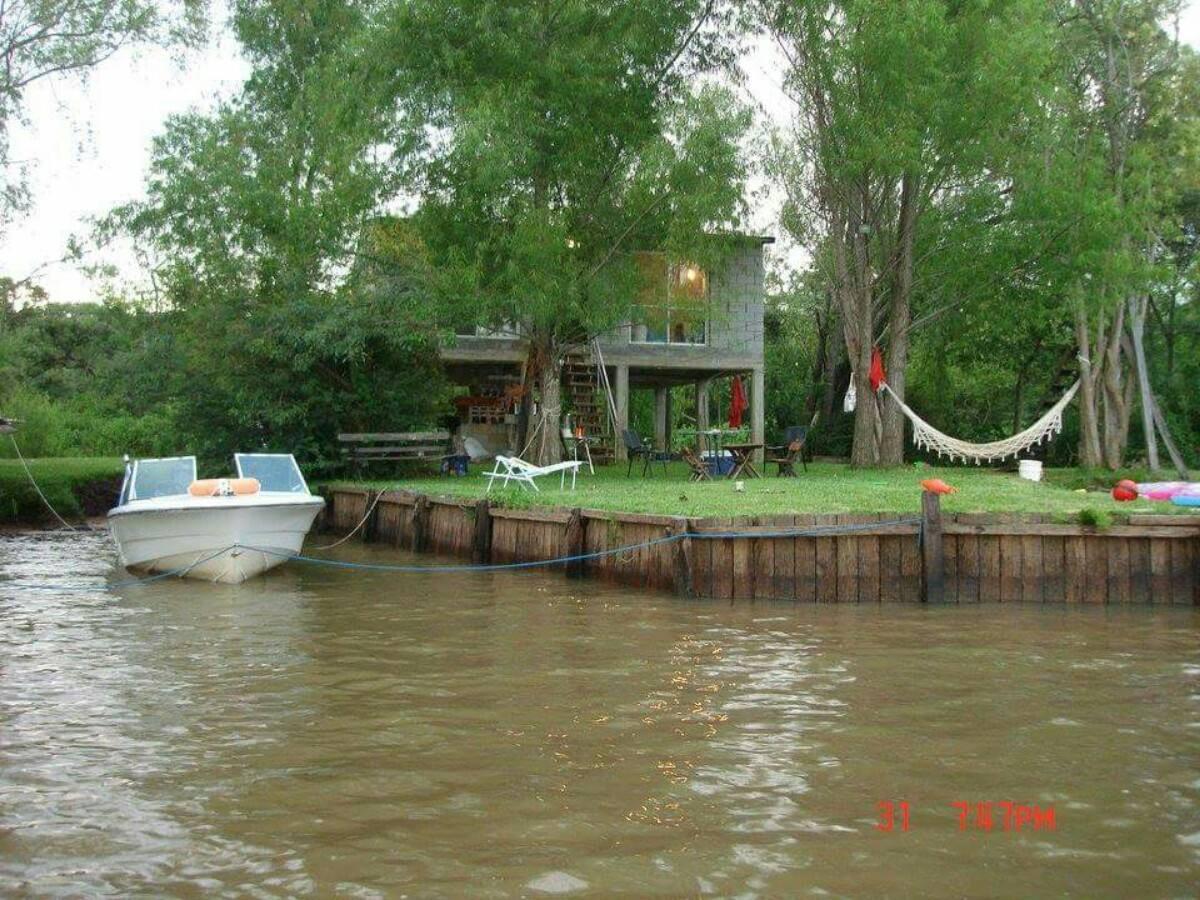casa en el delate tigre sobre el rio parana con playa y muel