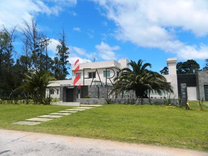 casa en el golf 4 dormitorios y dependencia con piscina, barbacoa y garage-ref:35999
