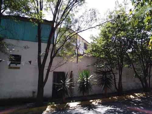casa en esquina con jardin , mayorazgos del bosque