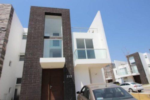 casa en esquina en renta lomas de angelopolis