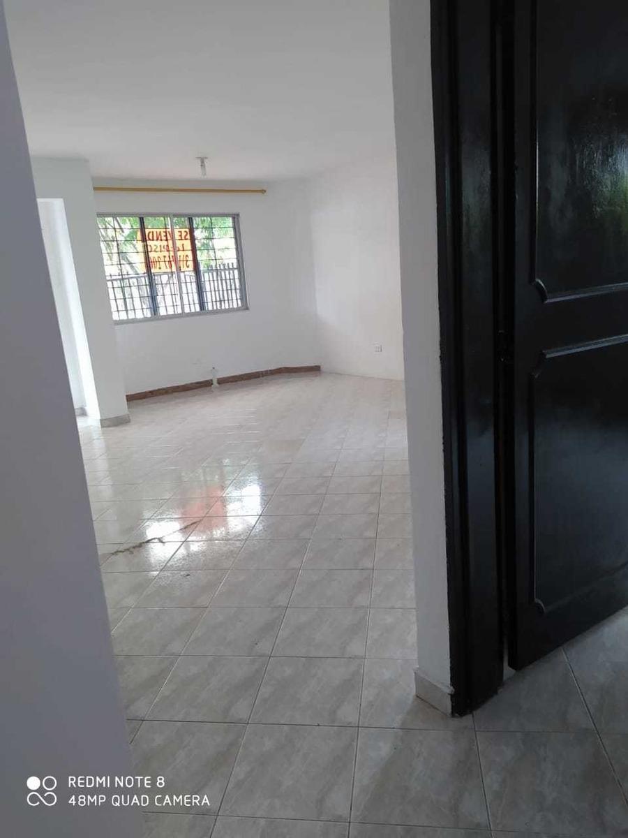 casa en esquina, primer piso con garaje_precio negociable