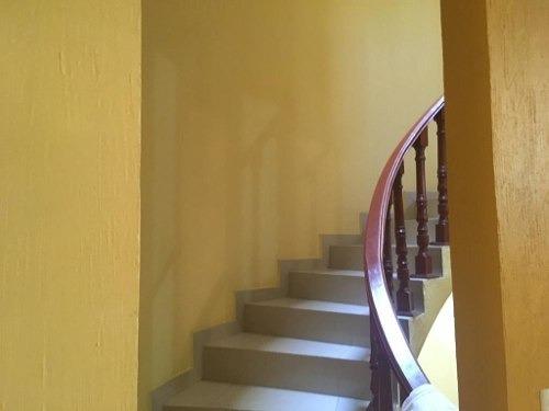 casa en excelente estado, recién remodelada