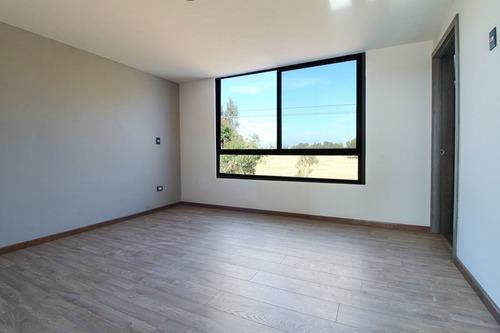 casa en fraccionamiento a 2 minutos de recta a cholula, residencial nobel