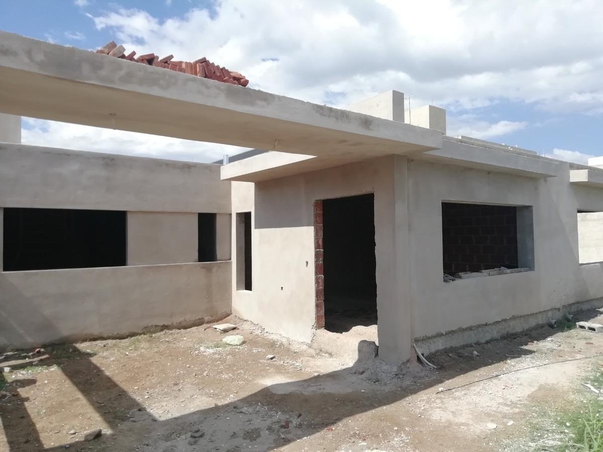 casa en housing 2 dormitorios 1 planta nuevo poeta lugones