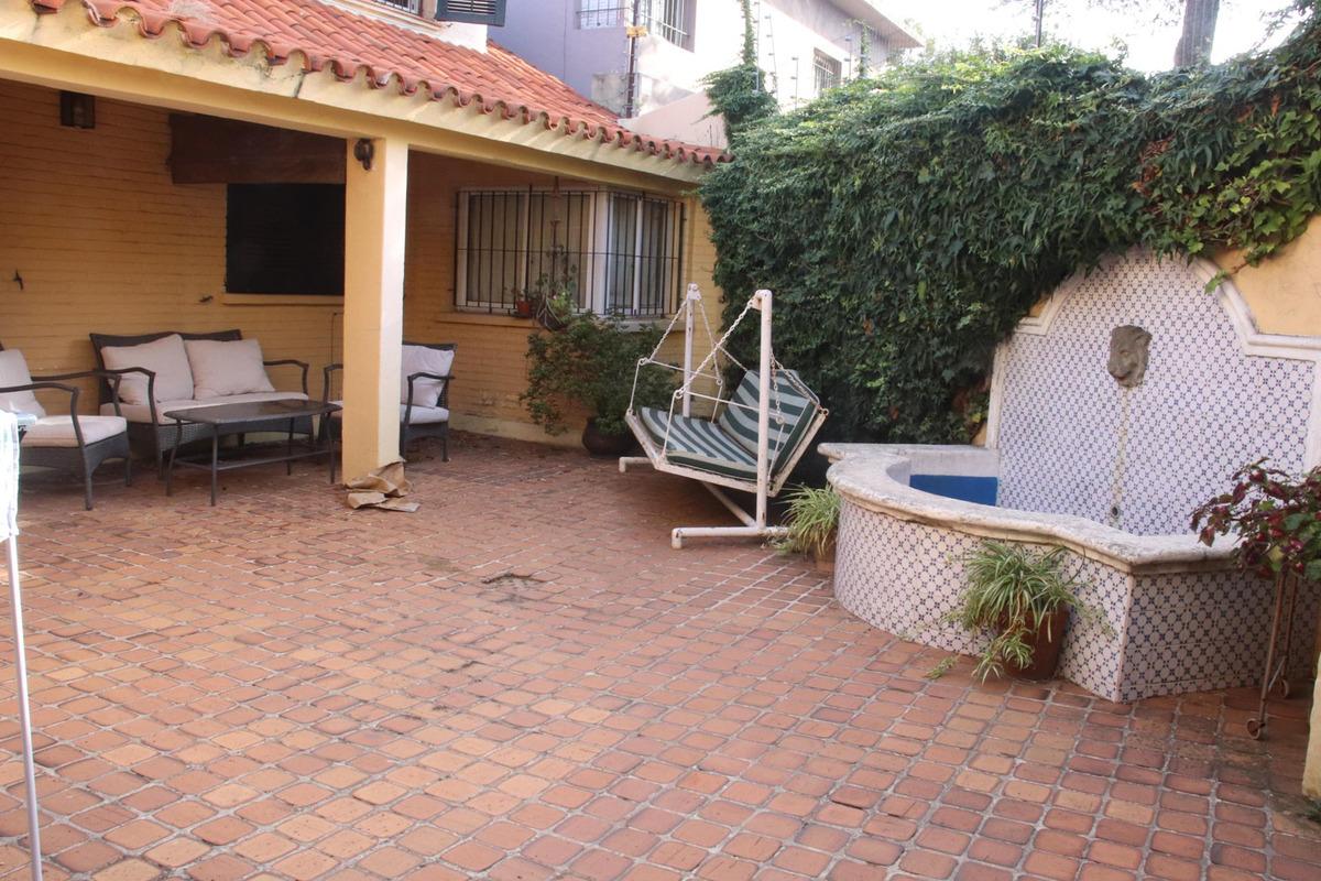 casa en importante zona de carrasco sur a metros de la rambla