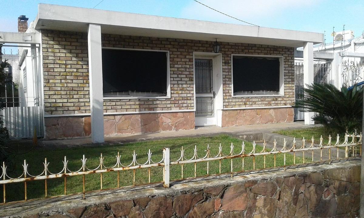casa en ituzaingo, jardines del hipodromo 3 dormitorios