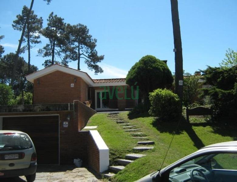 casa en jardines de cordoba, 3 dormitorios *- ref: 847