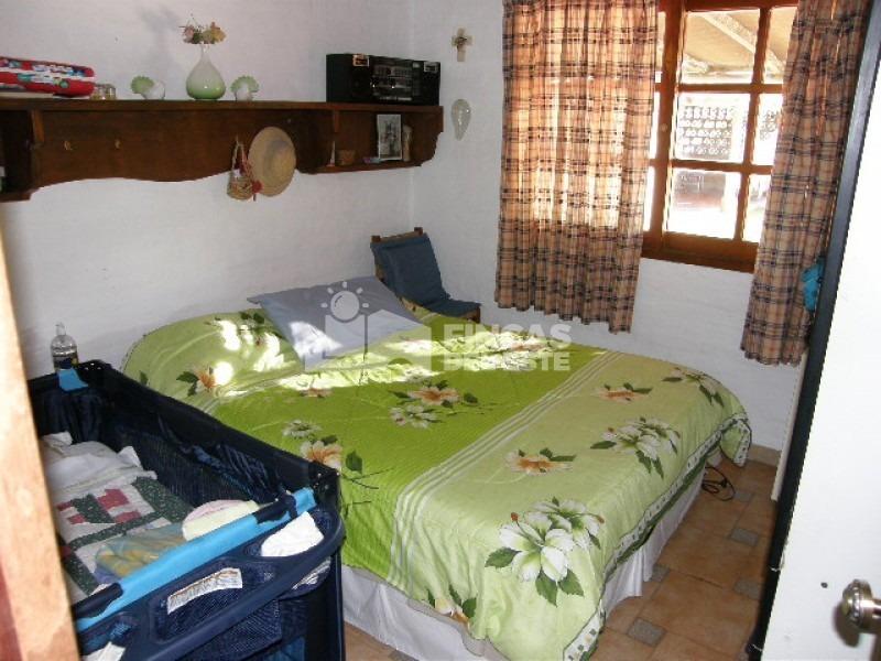 casa en jardines de córdoba de 3 dormitorios y 2 baños.- ref: 23