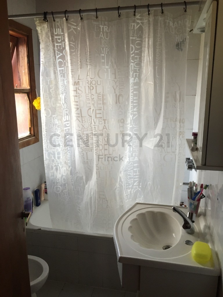 casa en la cascada 2 dorm y 2 baños completos, jardin, todos los servicios !!!