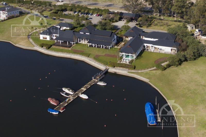casa en la laguna- barrio náutico albanueva -  con amarra - rincón de milberg