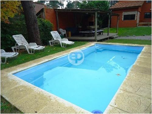 casa en la mansa con piscina