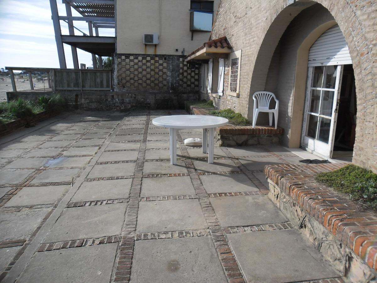 casa en la paloma - frente al mar (playa la balconada)
