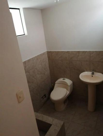 casa en la perla 5 dormitorios 3 baños sala comedor 3 pisos