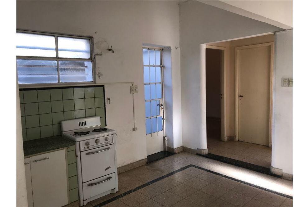 casa en la plata. dos dormitorios.