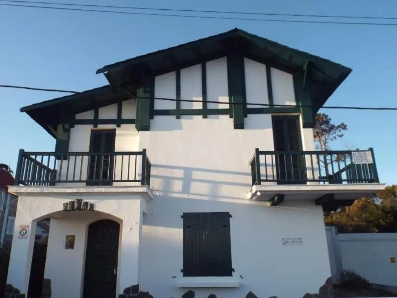 casa en la rambla con hermosos balcones