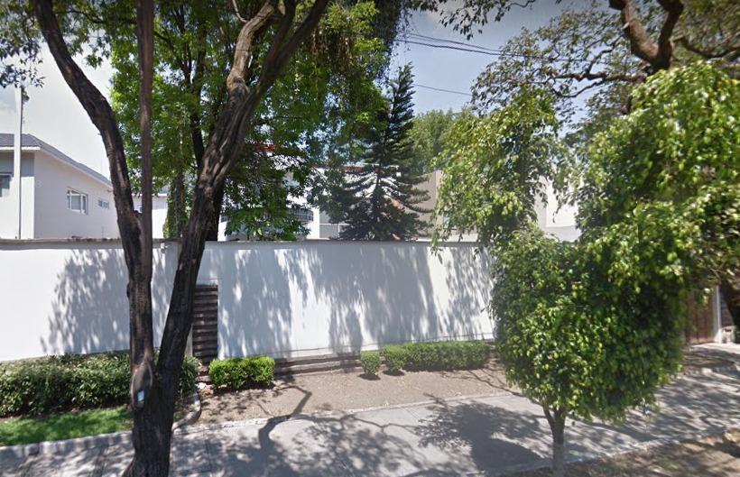 casa en lomas de chapultepec (oportunidad)
