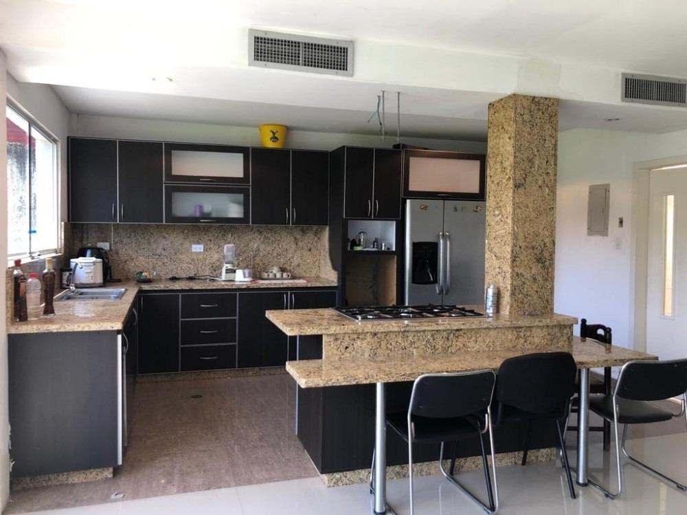 casa en lomas del country guataparo, 610mts