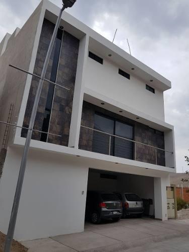 casa en lomas del pedregal en venta