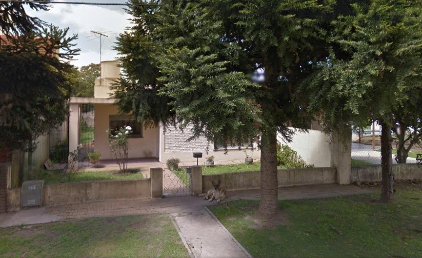 casa en longchamps barrio santa rita
