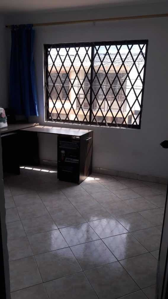 casa en los alamos de 2 pisos 5 cuartos 2 baños patio cosina