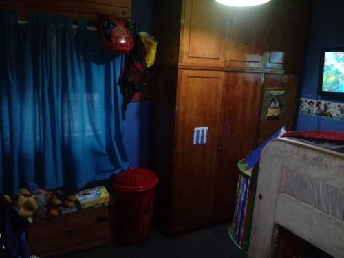 casa en lote propio de 3 ambientes con garage