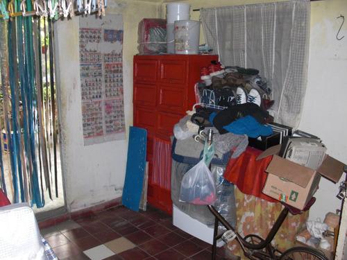 casa en lote propio de 3 ambientes,garage,y depto de 2 ambi