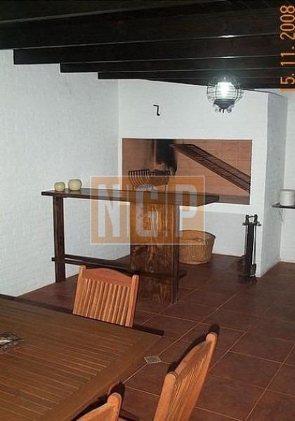 casa en lugano, 4 dormitorios *-ref:20375