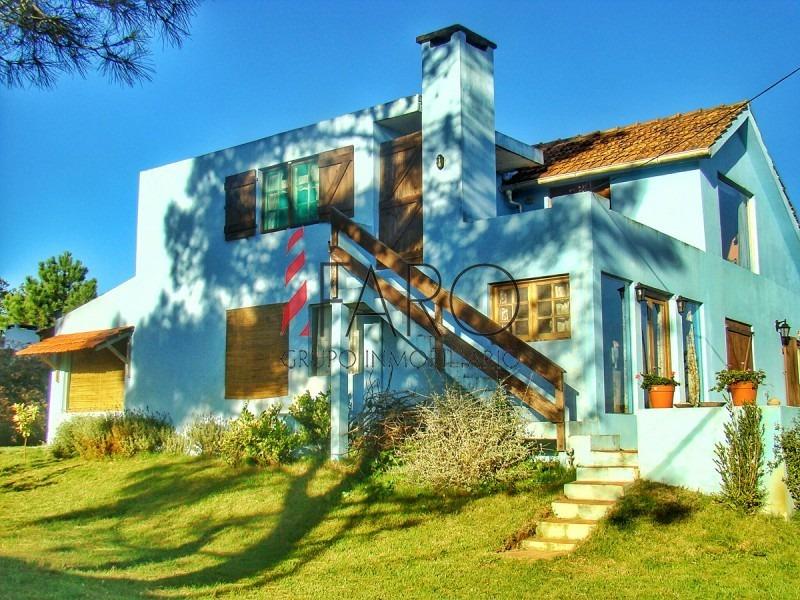 casa en manantiales 3 dormitorios con parrillero-ref:33924