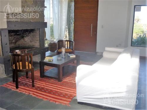 casa en manantiales - casa venta usd 450.000