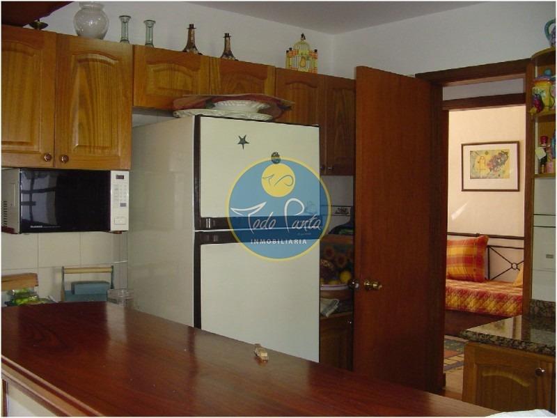casa en mansa, 2 dormitorios *- ref: 4189