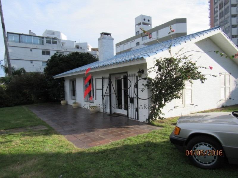 casa en mansa 3 dormitorios con parrillero techado-ref:34188