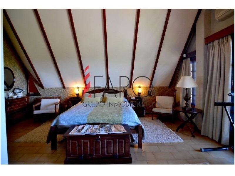 casa en mansa 4 dormitorios cochera y parrillero-ref:33800