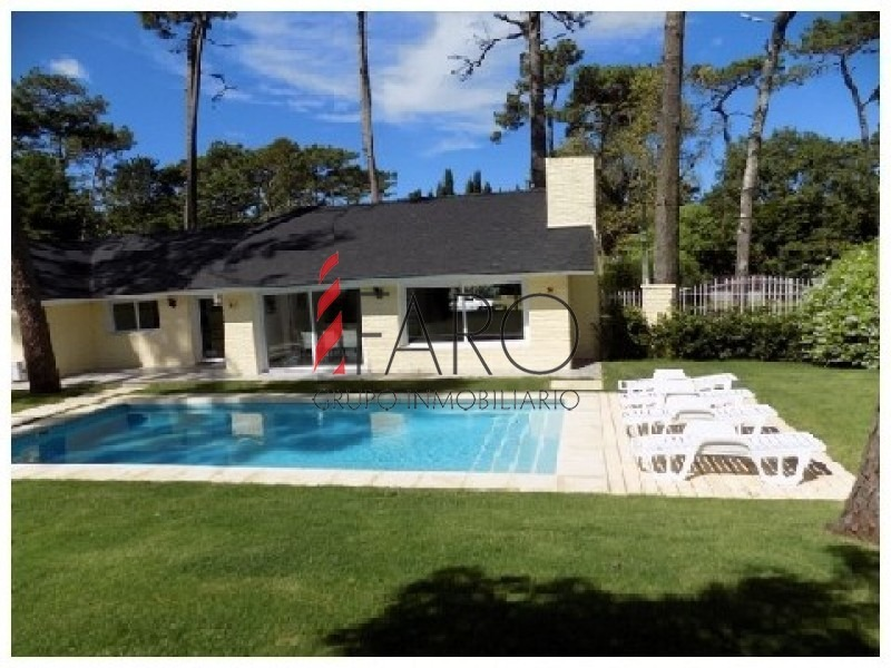casa en mansa 4 dormitorios con piscina y cochera-ref:34072