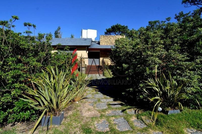 casa en mansa 4 dormitorios parrillero garage-ref:32672
