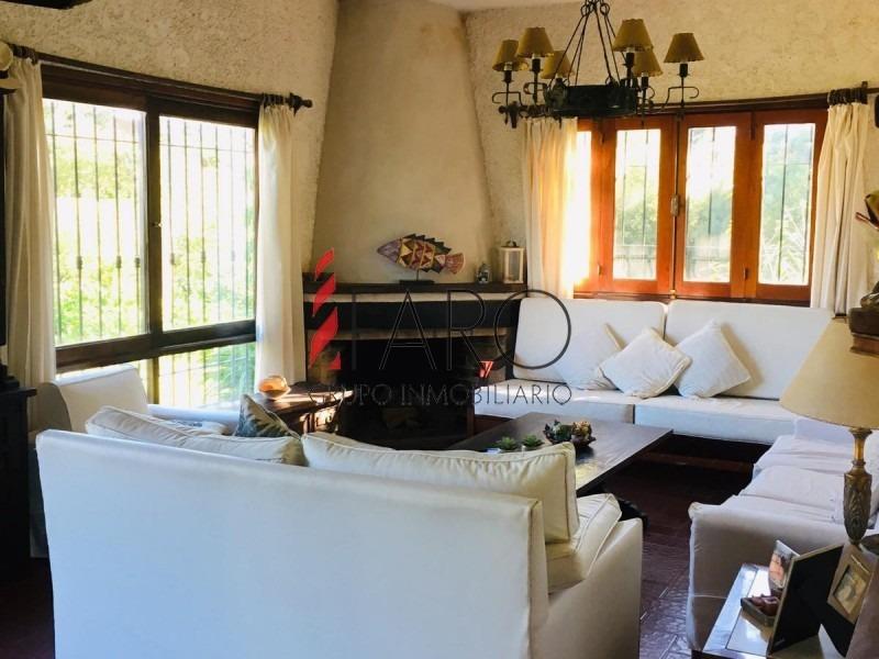 casa en mansa 4 dormitorios y doble dependencia, piscina y parrillero-ref:36870