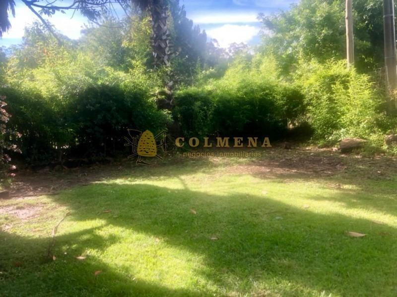 casa en mansa, cuenta con 4 dormitorios, living comedor, cocina, escritorio y un gran parque!!! consulte!!!!!!!-ref:2370