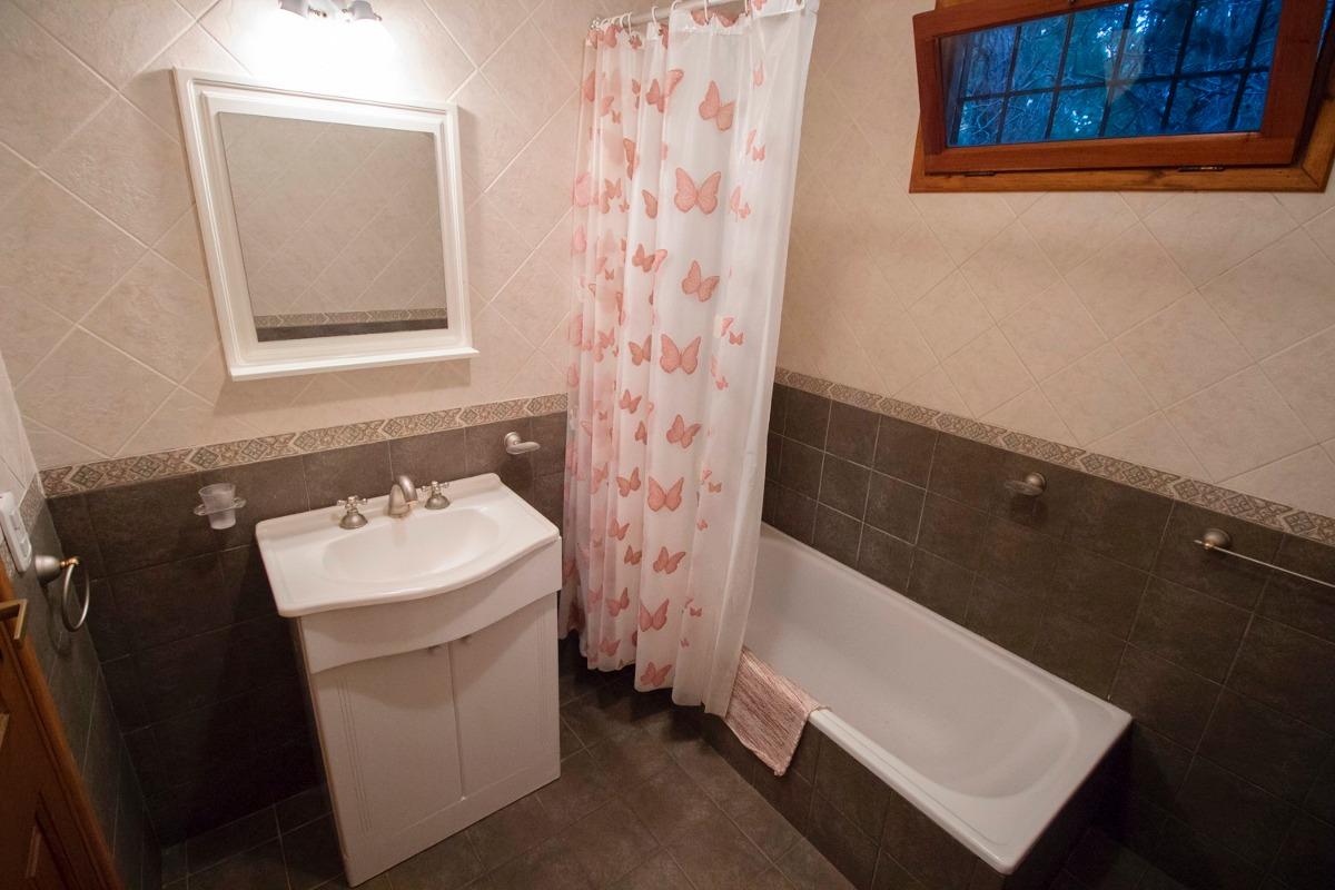 casa en mar de las pampas de 5 ambientes y 2 baños