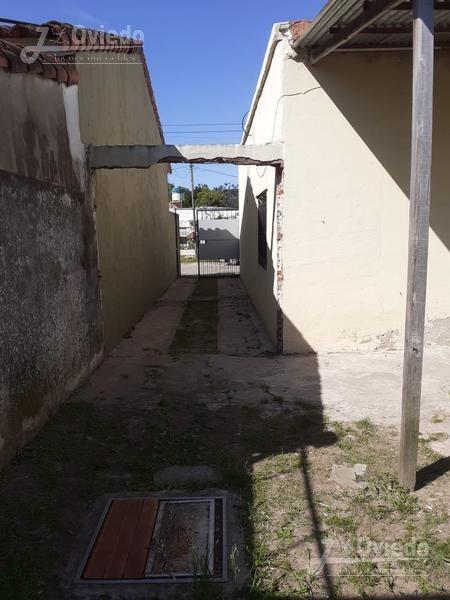 casa en merlo barrio pompeya con casa atras ***